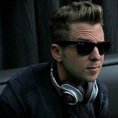 Nice shades and Beats. ~> And nice face ; Onerepublic, Eyebrow Lift, Ryan Tedder, Interesting Faces, Beautiful Creatures, Cool Bands, Eyebrows, How To Look Better, Mens Sunglasses