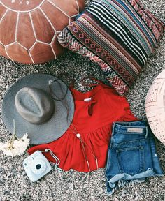 Coachella 2016. http://shopsincerelyjules.com/collections/sweatshirts/products/terra-tank