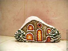 """Купить Домик из камушка """"Лето-Зима"""", двухсторонний, навесной - белый, натуральный камень, домик"""