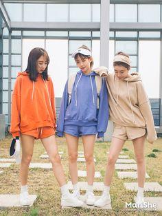 Korea Fashion, Teen Fashion, Fashion Group, Cute Comfy Outfits, Dope Outfits, Ulzzang Fashion, Ulzzang Girl, Korean Couple, Korean Girl