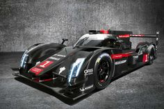Audi is still considering a hybrid supercar inspired by its Le Mans-winning e-tron quattro, but the road car will be quite different from the racer. Vin Diesel, Sports Car Racing, Race Cars, Gt Cars, Auto Racing, Allroad Audi, Carros Audi, Black Audi, Porsche Carrera Gt