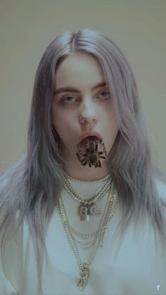 You should see me on a crown ou_dxd, 2019 billie eilish, celebrities Billie Eilish, Quotes Pink, Video Interview, Videos Instagram, Chica Cool, Wallpapers Android, Beautiful People, Hair Color, Celebs
