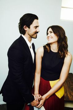 Mandy Moore Milo Ventimiglia this is us Mandy Moore Milo Ventimiglia, This Is Us Serie, Hot Dads, Tv Couples, Celebs, Celebrities, Photo Archive, Best Shows Ever, Pretty People