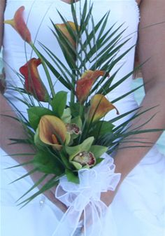 Beach wedding flowers for the bride