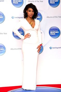 Pin for Later: Lianne La Havas's Style Is Unstoppably Cool  Amping up the chicness, Lianne was elegantly edgy in white full-length dress at the Barclaycard Mercury Prize in 2012.