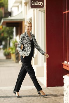 The Iconic Pieced Jacket #9to5abulous  #WildAbout30 #chicos