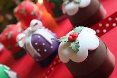 Mini Christmas Cakes by Victoria's Kitchen (snel en simpel: met een negerzoen)