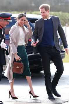 Prince Harry And Meghan Markle Visit Northern Ireland Estilo Meghan Markle, Meghan Markle Dress, Meghan Markle Outfits, Meghan Markle Style, Prince Harry And Megan, Harry And Meghan, Prinz Harry Meghan Markle, Suits Actress, Princess Meghan