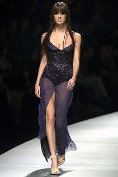 Versace Fall 2003 Ready-to-Wear Collection Photos - Vogue