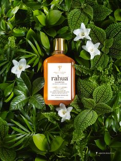 Organic and natural haircare range, Rahua is vegan using plant based ingredients. Best Natural Hair Products, Natural Haircare, Natural Hair Styles, Organic Beauty, Natural Beauty, Bussiness Card, Amazon Beauty Products, Cosmetic Design, Beauty Shots