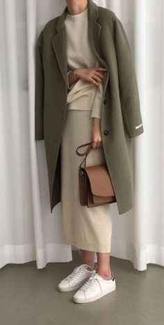 minimal fashion trendy fall outfit ideas in my - Look Fashion, Daily Fashion, Womens Fashion, Fashion Trends, Classy Fashion, Minimal Fashion Style, Korean Fashion, Fashion Shoes, Fashion Dresses