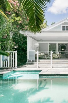 The Cottage - Houses for Rent in Byron Bay, New South Wales, Australia Hamptons Style Homes, Hamptons House, Perth, Brisbane, Hampton Pool, Byron Beach, Australia House, Dream Beach Houses, Swimming Pools Backyard