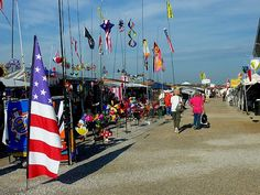 Go to Shipshewana's Flea Market Antique Stores, Vacation Trips, Cool Places To Visit, Summer Fun, Stuff To Do, Indiana, Marketing, History, Antiques