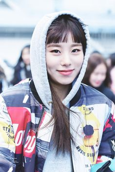 I'm in love with this picture... WheeIn (휘인)