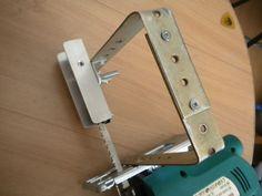 Самодельное приспосбление для ручного электролобзика , поддержка конца пилки (2).jpg