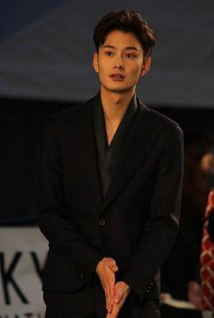 岡田将生 Okada Masaki | オー!ファーザー Japanese Drama, Japanese Boy, Japanese Beauty, Asian Actors, Korean Actors, Beautiful Person, Gorgeous Men, Okada Masaki, Ideal Boyfriend