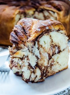 Mocha Almond Fudge Cookies source More cake & cookies & baking inspiration! Easy Bread Recipes, Cake Recipes, Dessert Recipes, Romanian Desserts, Romanian Food, Romanian Recipes, Babka Recipe, Honey Chocolate, Fudge Cookies