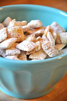 lemony chex...sounds fantastic! :) i might need to make some of the these to pull me out of my winter blues