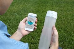 Hidrate, Inc. is raising funds for HidrateMe Smart Water Bottle on Kickstarter! HidrateMe, a smart water bottle that syncs to your phone to track your water intake and glows to remind you to stay hydrated Drink More Water, Take My Money, Cool Technology, Bottle Lights, Bottle Design, Drinking Water, Videos, 3d Printing, Take That