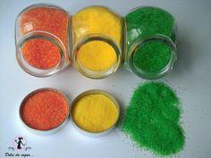 Come colorare lo zucchero | Miei dolci da sogno Romanian Food, Jar Gifts, Cake Tutorial, Creative Food, Homemade Gifts, Nespresso, Food Art, Dog Food Recipes, Cake Decorating