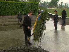 Ukrainian president doesn't pass the wreath test.