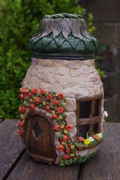 Who amongst us isn't a fan of fairy tales and enchanted stories? Glowing fairy jars look enchanting. Here are best diy fairy jar ideas for you. Diy Fimo, Crea Fimo, Clay Fairy House, Fairy Garden Houses, Fairy Gardens, Garden Art, Garden Design, Garden Ideas, Polymer Clay Fairy