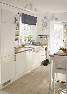 ikea kitchen ideas fresh kitchens throughout kitchen ikea kitchen ideas ikea kitchen ideas ima Kitchen Ikea, Kitchen Interior, New Kitchen, Kitchen White, Kitchen Wood, Kitchen Country, Kitchen Small, Kitchen Decor, Space Kitchen