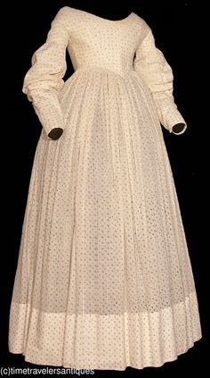 1826 calico sprig printed cotton one piece day dress, cartridge pleated.