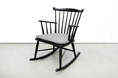 Vintage danish design Borge Mogensen rocking chair van OnS Amsterdam