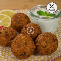 Falafel with mint sauce (oriental) MealClub - Most people know falafel from oriental cuisine and you can easily make the chickpea balls at home. Carrot Recipes, Egg Recipes, Healthy Recipes, Vegetable Stew, Vegetable Recipes, Smoked Deviled Eggs Recipe, Brown Sugar Roasted Carrots, Clean Eating Recipes, Relleno