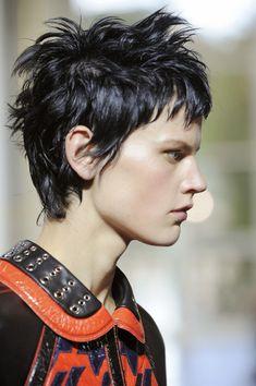 Saskia de Brauw for Balenciaga 2011 – friseur Short Hairstyles For Women, Messy Hairstyles, Pretty Hairstyles, Sassy Hair, Grunge Hair, Great Hair, Hair Today, Short Hair Cuts, Short Punk Hair