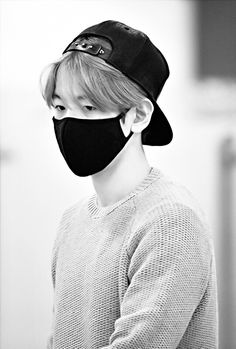 Black and white Baek