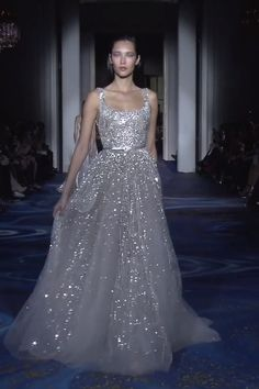 Gorgeous Embellished Silver Backless Slip A-Lane Evening Maxi Dress / Evening Gown with open Back and small Train. Couture Spring Summer 2019 by Zuhair Murad - Source by rostmarlies couture gowns zuhair murad Zuhair Murad Mariage, Zuhair Murad Dresses, Zuhair Murad Bridal, Haute Couture Dresses, Style Couture, Evening Gowns Couture, Hijab Evening Dress, Evening Dresses, Maxi Dresses