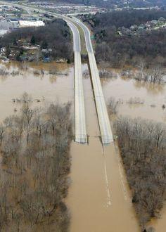 Historic flooding on the Meramec River, Gravois Road