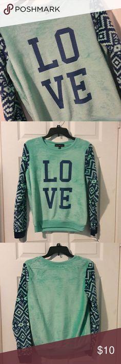 NWT SOFT SWEATSHIRT Very cozy soft like light weight fur. Love!!  Polyester. Navy Blue/mint green. Derek Heart Tops Sweatshirts & Hoodies
