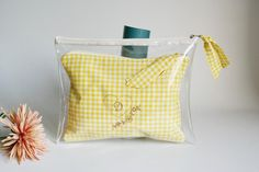 Jelly Bag, Best Gifts For Mom, Gingham Fabric, Love Pet, Pouch, Wallet, Diaper Bag, Sewing Projects, Cosmetics