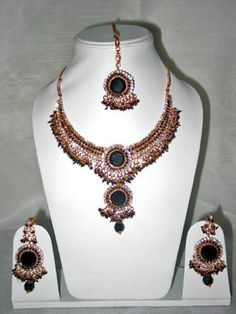 Bollywood Style Fashion Jewelry Set Handmade Black Gemstone Studded Kundan Necklace Set Mogul Interior, http://www.amazon.com/gp/product/B0080C74DQ/ref=cm_sw_r_pi_alp_xLwuqb158HR93