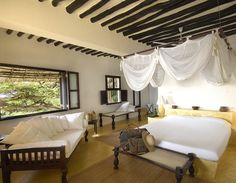 Double bedroom in Beach House, Shela, Lamu Island (6/8)