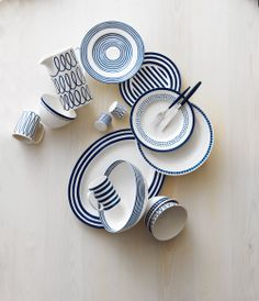 Coordinate different patterns in the charming Charlotte Street collection to bring Kate Spade's trademark wit to your table. Bridal Registry, Gift Registry, Michael Kors Ring, Hudson Bay, Pottery Classes, Beautiful Gardens, House Beautiful, China Patterns, Island Weddings