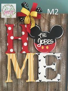 Disney Mickey Mouse Home Wood Door Hanger Hand Painted Personalized Disney Mickey Mouse Home Wall Decor Casa Disney, Disney Rooms, Disney House, Mickey Mouse House, Mickey Mouse Christmas, Mickey Mouse Wreath, Disney Diy Crafts, Disney Home Decor, Disney Wall Decor