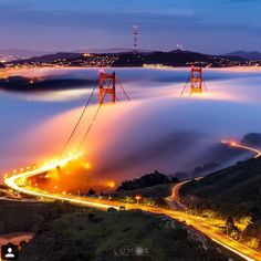 We left our hearts in San Francisco…but can you blame us?  Shout out to @karlthefog who made this photo possible, and the talented @heyengel who captured it. What do you love most about the #CityByTheBay? Right now, we're loving our deals with @sfgiants, @bleuribbonkitchen and @fspaloalto.  #Travelzoo  #sanfrancisco #karlthefog