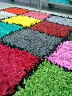 Discount Carpet Runners For Stairs Shag Carpet, Diy Carpet, Rugs On Carpet, Proddy Rugs, Tapetes Diy, Plastic Carpet Runner, Rug Hooking Designs, Braided Rag Rugs, Crochet Carpet