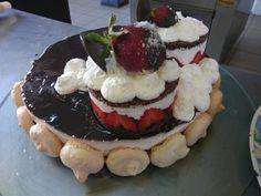 Strawberry cake🎂