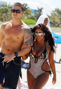 jersey shore... love snooki and vinny