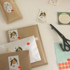 Cute Packaging, Brand Packaging, Pen Pal Letters, Beige Aesthetic, Note Paper, Packaging Design Inspiration, Mail Art, Zine, Branding Design