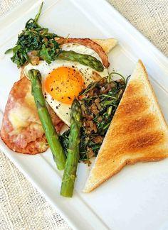 stuttgartcooking: Spargel-Toast mit Schinken, Käse, Ei und lauwarm m...