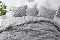 32 Of The Best Duvet Covers You Can Get On Amazon Outlander Costumes, Pillow Shams, Pillows, Best Duvet Covers, Cotton Duvet, Duvet Sets, Duvet Insert, King Size, Color Pop