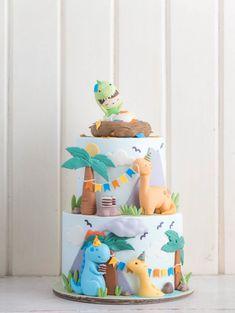 Birthday party food for kids dinosaur 34 Ideas Dinosaur Birthday Cakes, Baby Birthday Cakes, Dinosaur Party, 1st Boy Birthday, 2nd Birthday Parties, Birthday Ideas, Die Dinos Baby, Dino Cake, Dinosaur Cake Pops