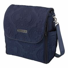 In lovvvve with this navy, quilted diaper bag! So perfect for fall!
