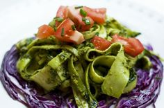 """I am generally skeptical of raw food, but this vegan zucchini """"pasta"""" with pesto looks pretty yum."""